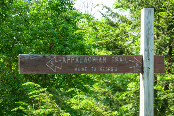Appalachian Trail Sign Maine to Georgia Appalachian Trail Sign Maine to Georgia appalachian trail stock pictures, royalty-free photos & images