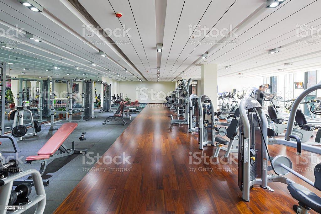 Appareils Et équipements De La Salle De Sport Moderne – Photos et ...
