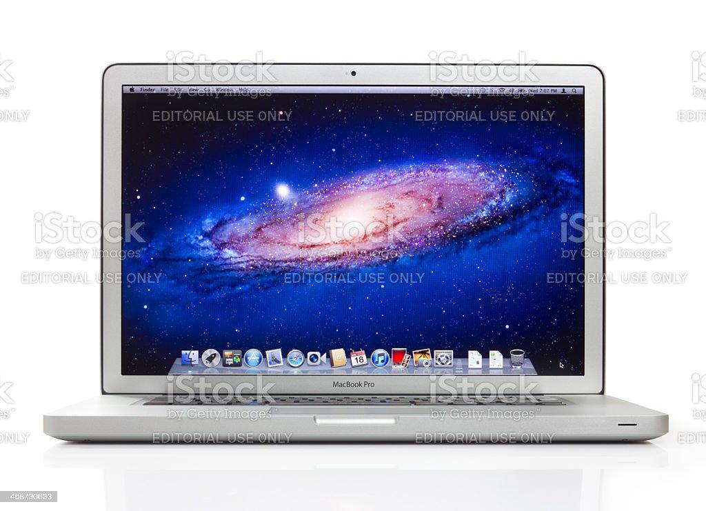 Apple 15 pulgadas MacBook Pro con dos trazados de recorte - foto de stock