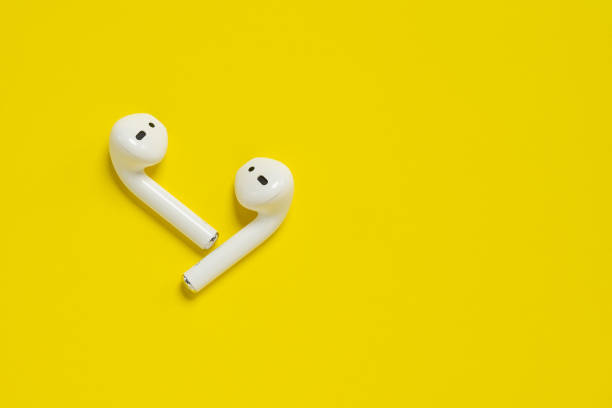 Apple AirPods drahtlose Bluetooth-Kopfhörer für Apple iPhone. Neue Apple Earpods Airpods. – Foto