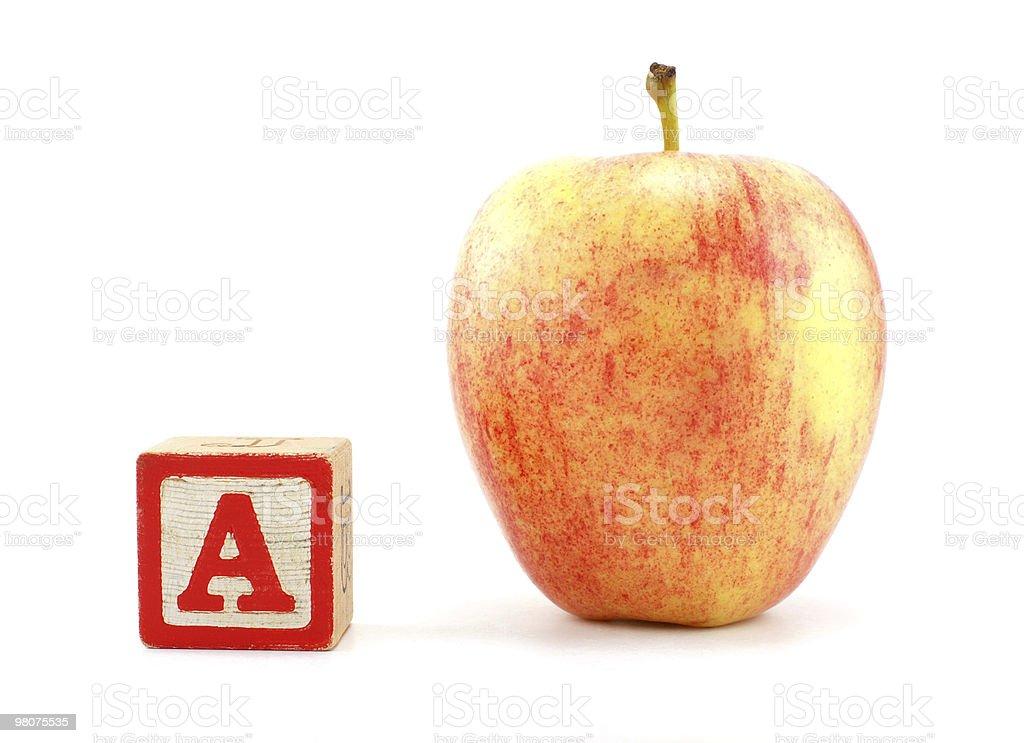 사과나무 및 알파벳 A 차단 royalty-free 스톡 사진
