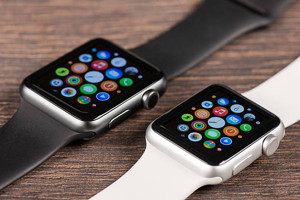 apple black and white watches - 2015 stok fotoğraflar ve resimler
