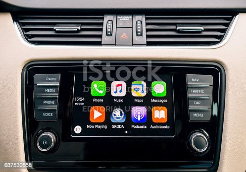 istock Apple CarPlay main screen of iPhone in car dashboard 637530558
