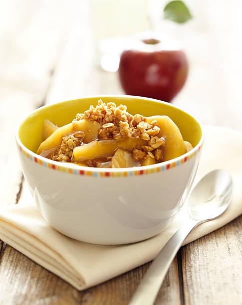 Apfel-Cobbler auf harvest Tisch – Foto