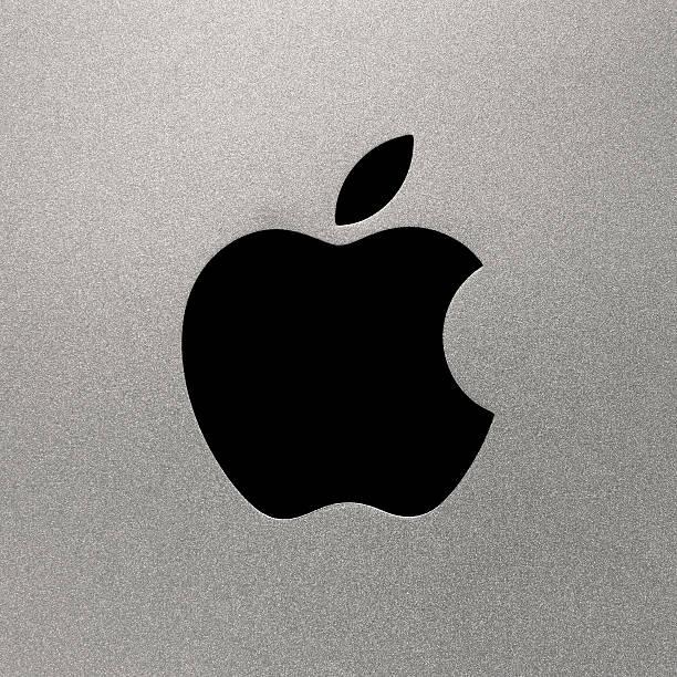 i computer apple logo - apple computers foto e immagini stock