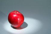Apple in spotlight_03