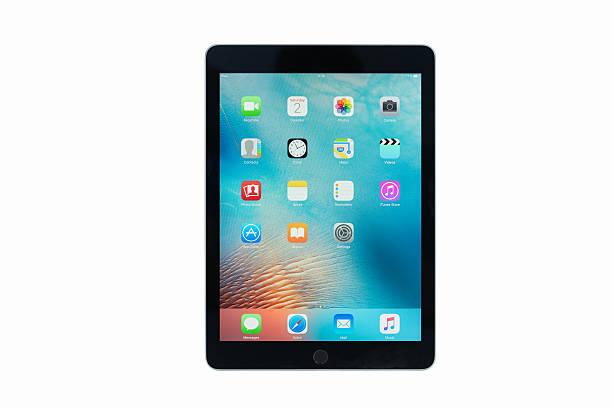 """apple ipad pro 9.7 """" wifi spacegrey 4 g - ipad zdjęcia i obrazy z banku zdjęć"""