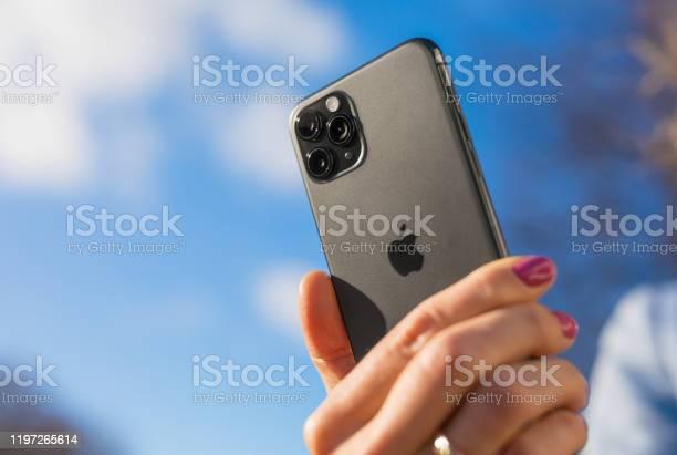 Apple iphone 11 pro smartphone in hand of a person picture id1197265614?b=1&k=6&m=1197265614&s=612x612&h=niluok17bhkb5j0q4f3ug60c8d47mpxp537vlugsylk=