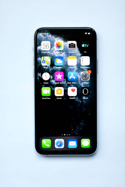 Apple iPhone 11pro Silber weiß Leerbildschirm und Frontansicht – Foto