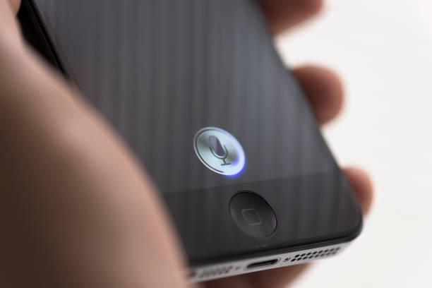 apple iphone 5 siri - geräusche app stock-fotos und bilder