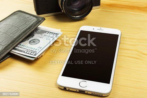 istock Apple iPhone 6 on the Table 502763890