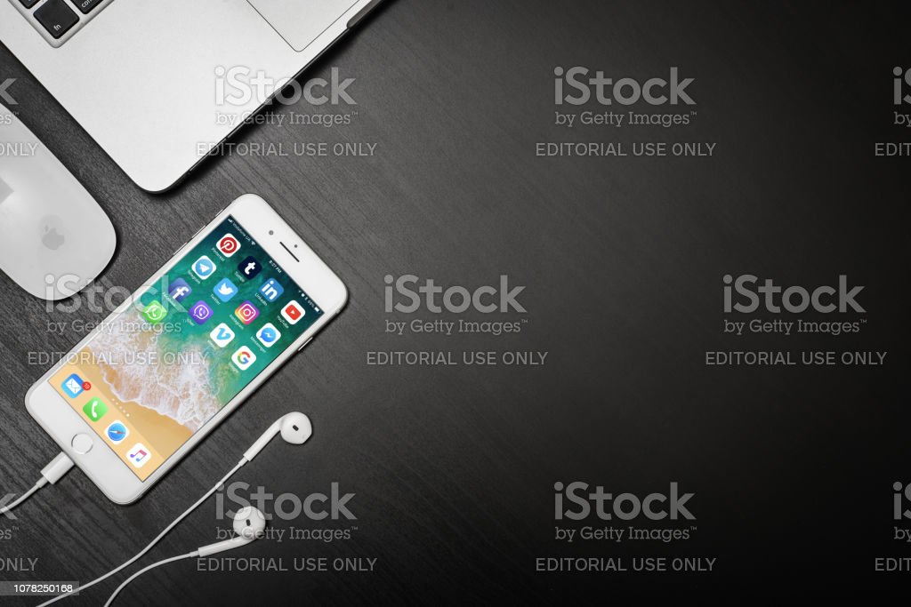 Apple Iphone 8 Plus With Social Network Apps Stock Photo - Download