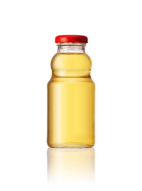 bottiglia di succo di mela - fruit juice bottle isolated foto e immagini stock