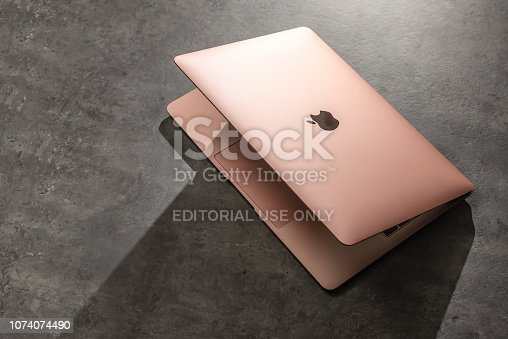 istock Apple Macbook Air 2018 in review 1074074490