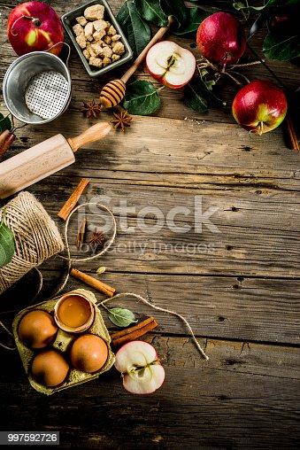 istock Apple pie baking background 997592726