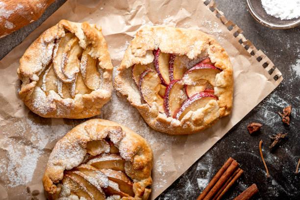 torta de maçã. - comida salgada - fotografias e filmes do acervo