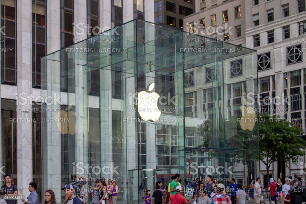 Loja Apple cubo Fifth Avenue Nova Iorque - foto de acervo