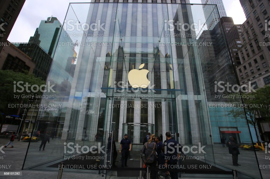 apple store in new york stock photo
