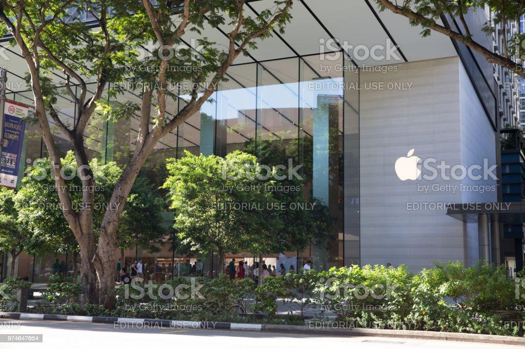 Apple store em Orchard Road, Singapura - foto de acervo