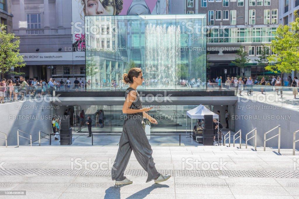 Apple Store Milano - foto de acervo
