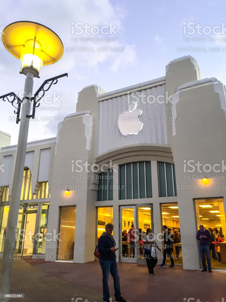 Apple Store on Lincoln Road Mall, Miami Beach stock photo