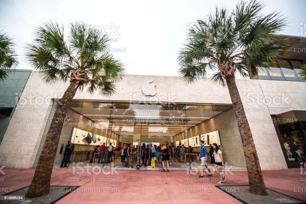 Apple store on Lincoln Road Mall, Miami Beach, USA stock photo