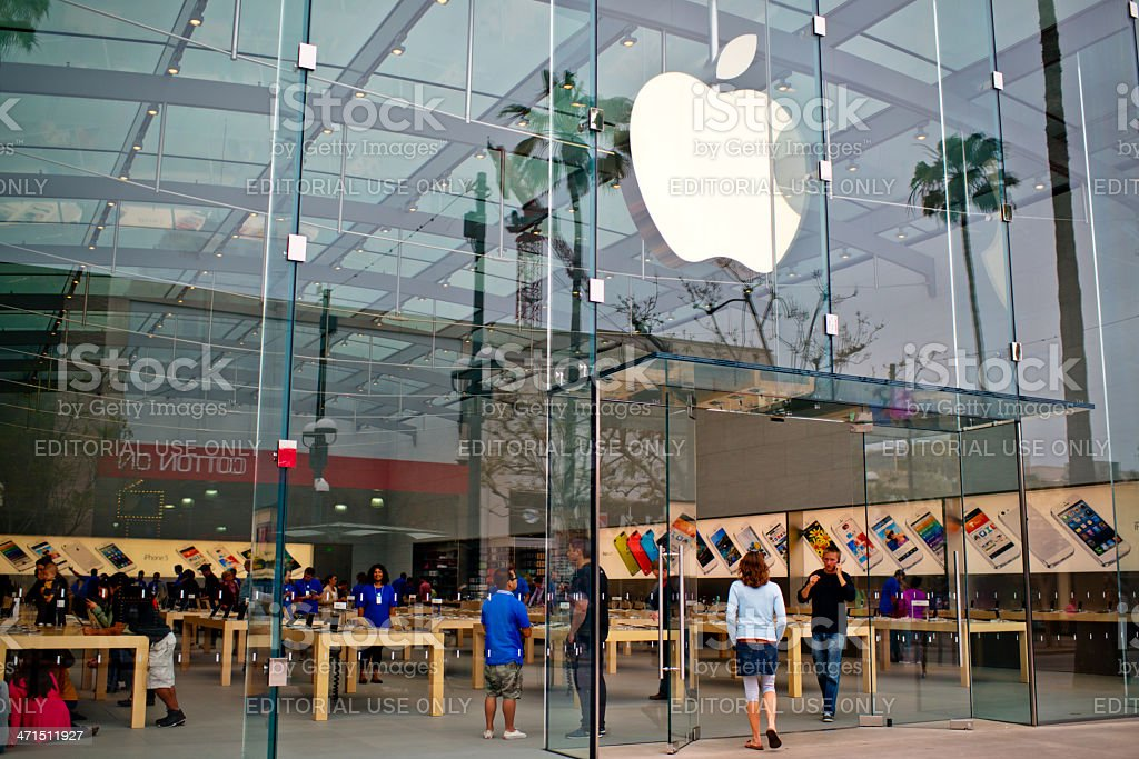 Apple Store on Third Promenade Street, Santa Monica, USA stock photo