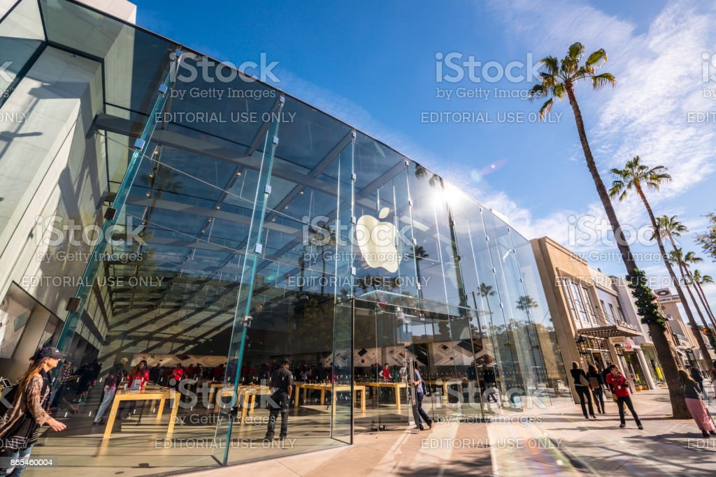 Apple Store on Third Street Promenade, Santa Monica, USA stock photo