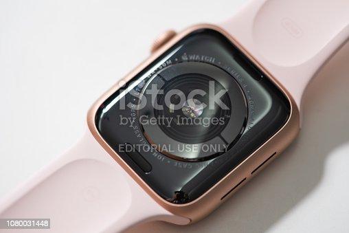 istock Apple Watch Series 4 1080031448
