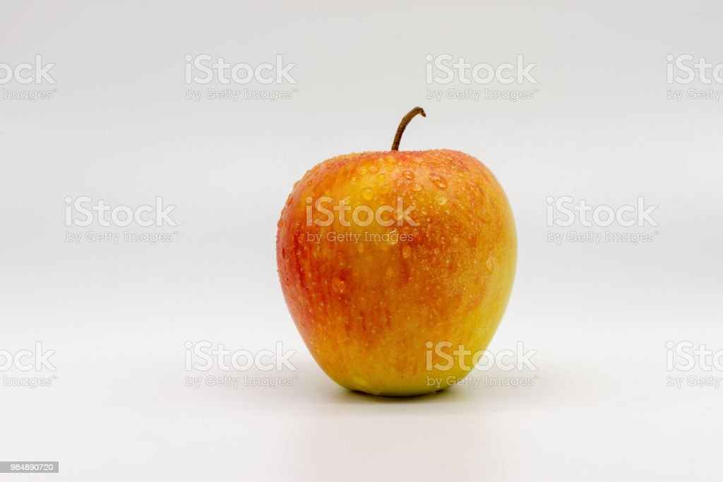 Apfel mit Wasser Tropfen – Foto