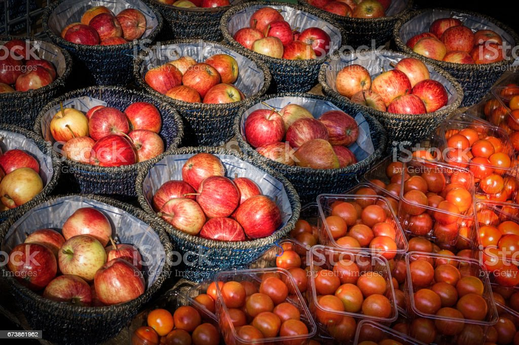 apples and tomatos photo libre de droits