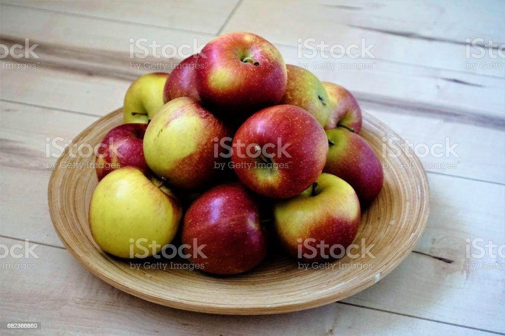 Apples in a bowl photo libre de droits