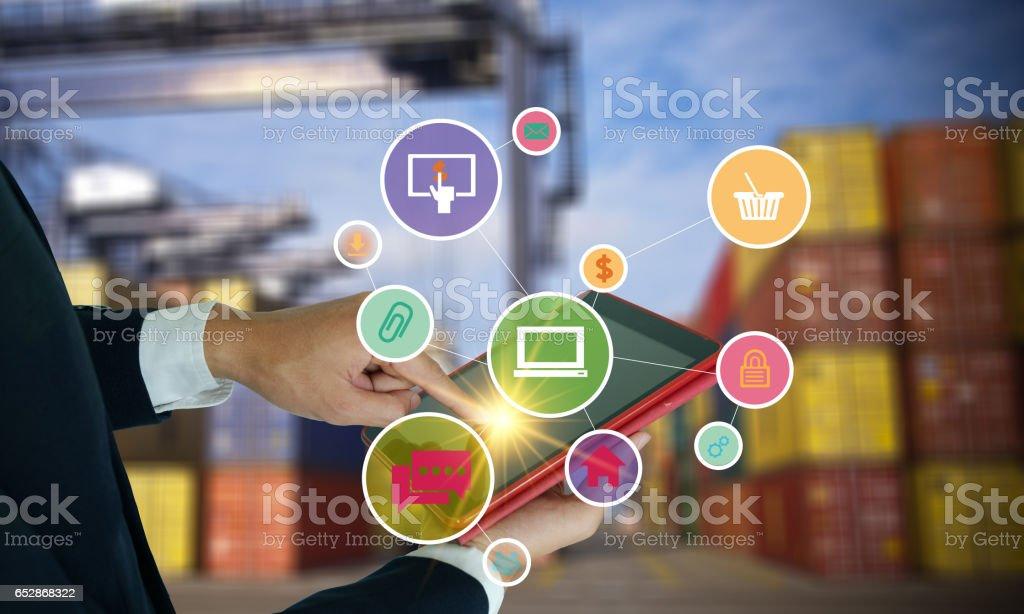 - Anwendung-software-Ikonen auf tablet – Foto