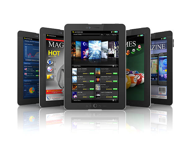 anmeldungen auf tablet pc - pictafolio stock-fotos und bilder