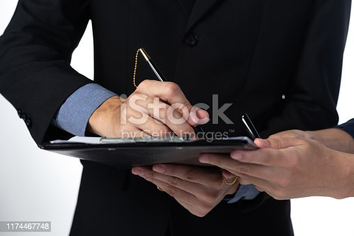 1007078074 istock photo approve concept for business, business success 1174467748