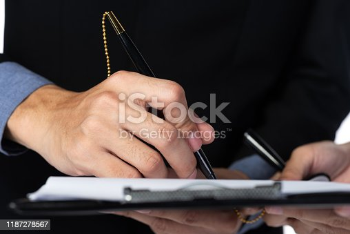 1007078074 istock photo approve concept for business, business success 1187278567