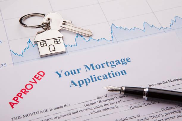 approuvé mortgage application - emprunt immobilier photos et images de collection