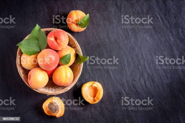 Aprikosen In Bowl Stockfoto und mehr Bilder von Alt