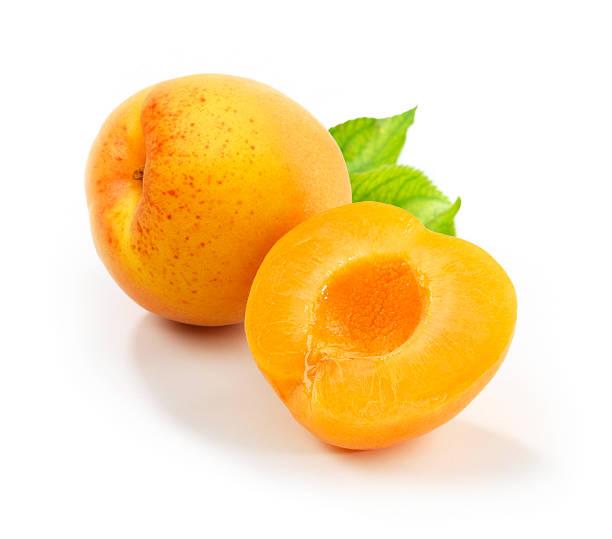 aprikosen mit leafs - aprikose stock-fotos und bilder