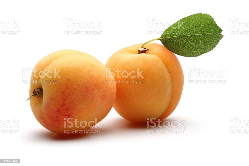 Abricots avec feuilles - Photo