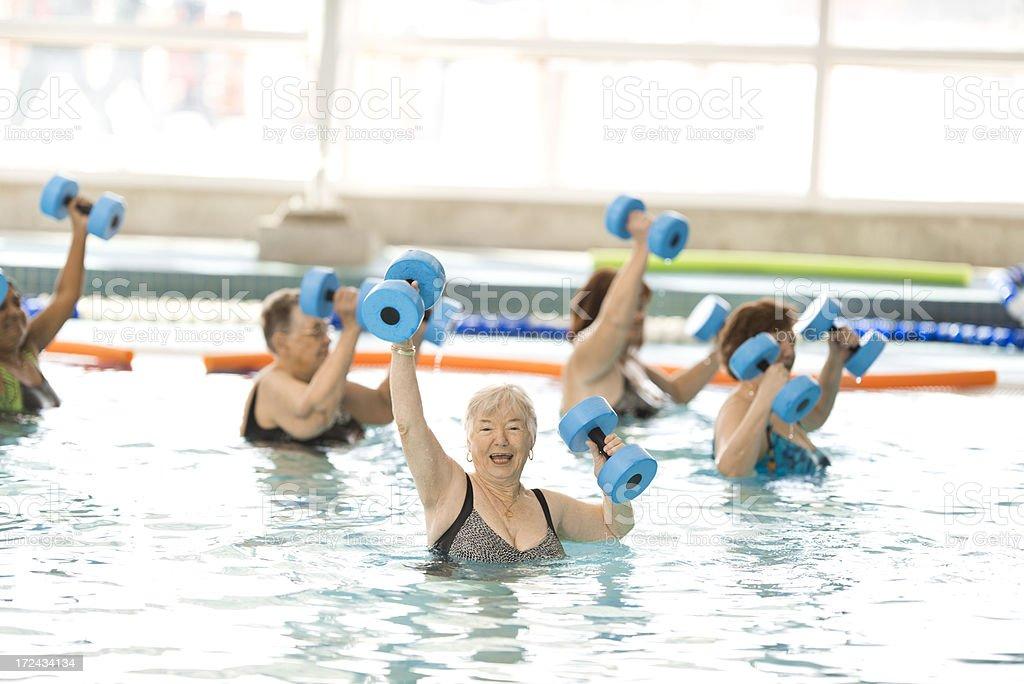 Aqua Fit, aerobica in acqua - foto stock