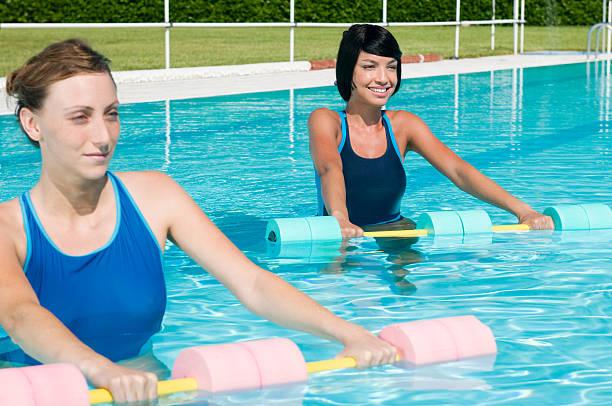 Aqua Fitnessstudio fitness-Übung – Foto