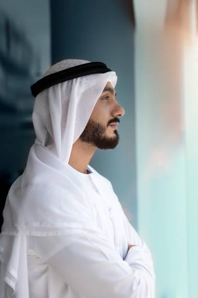 阿拉伯男子尋找 - emirati woman 個照片及圖片檔