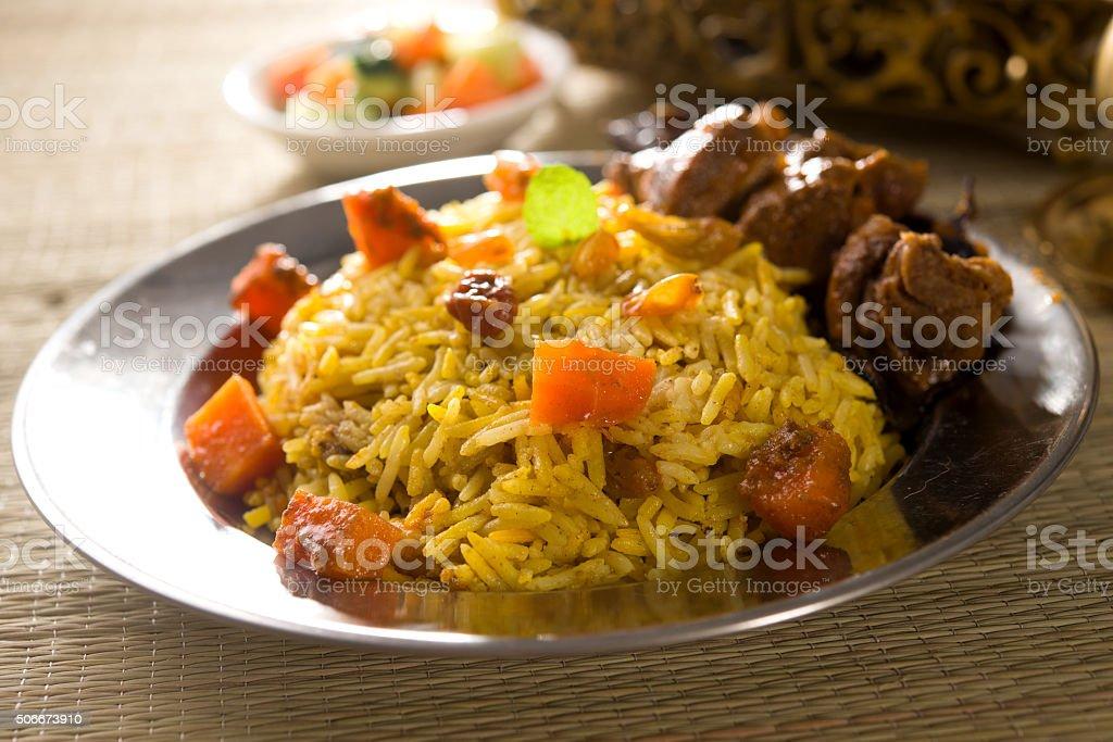 árabes arroz, o Ramadã alimentos no meio - foto de acervo