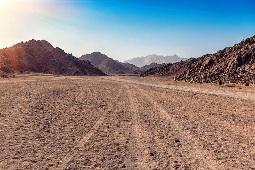 Arabische Wüste In Ägypten Stockfoto und mehr Bilder von Ausgedörrt