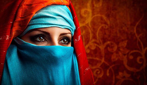 femme arabe - femme arabe photos et images de collection