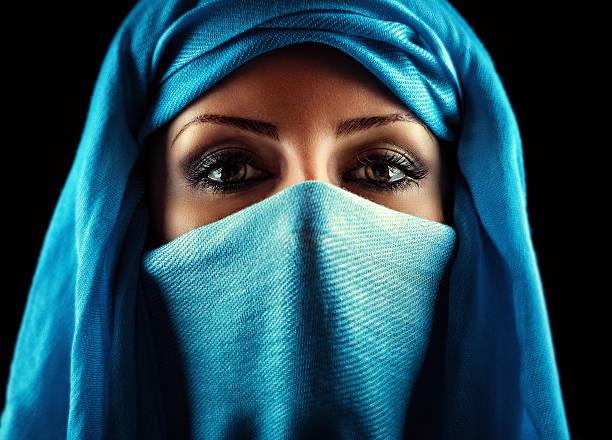 arabische frau - ägyptisches make up stock-fotos und bilder