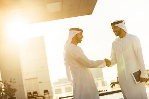 471250190 istock photo Arabs Shaking Hands 483318306