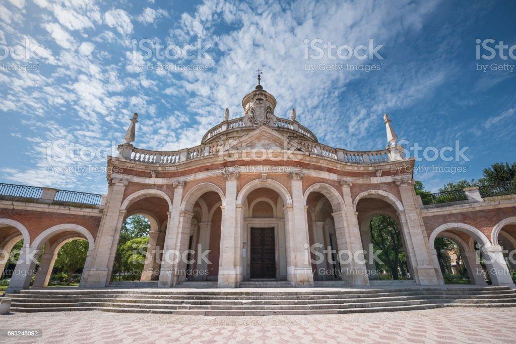 Monumento famoso de Aranjuez, Iglesia de San Antonio de Padua, Madrid, España. - foto de stock