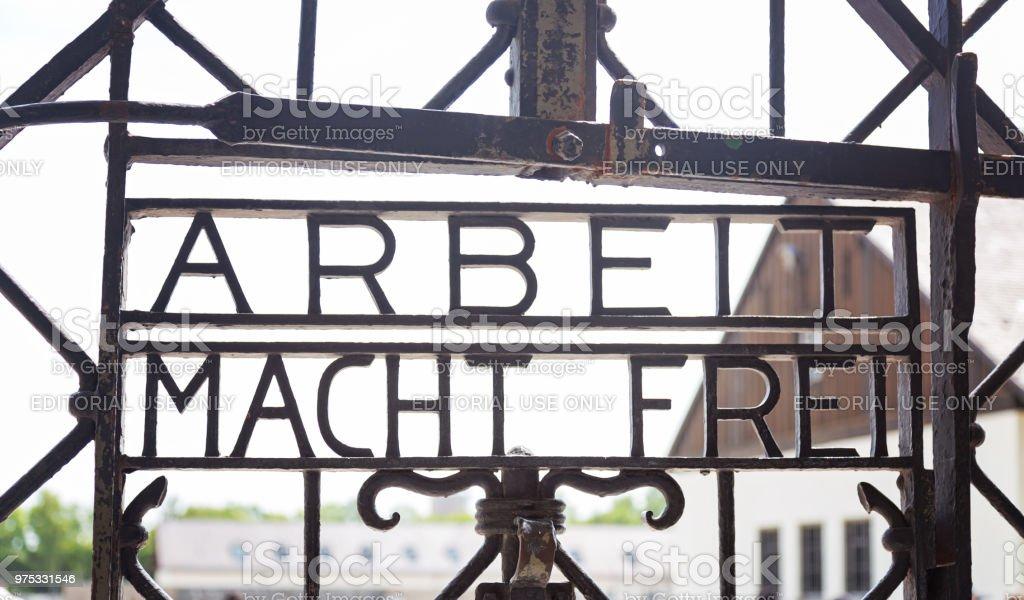 Arbeit Macht Frei Tor in Dachau – Foto